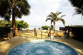 Couples Negril hot tub